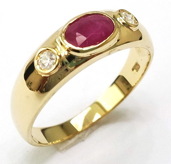 Oval Cut Ruby & 0.073 cts Diamond 14KT Yellow Gold Ring - Size N