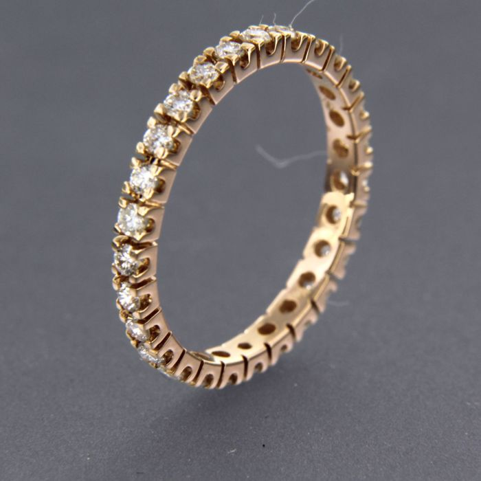 18 kt rose gold full eternity ring set with brilliant cut diamonds of approx. 0.60 ct in total Ring size 17 (53)