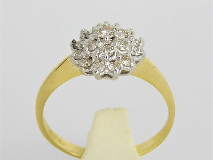 14 kt bi-colour gold ring with diamonds, in total +/- 0.50 ct - ring size 18 or 57 - weight: 2.7 g