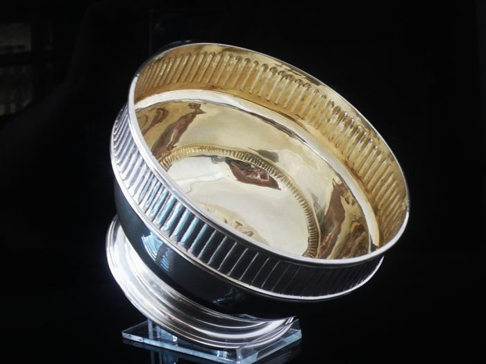 An Edwardian Heavy Silver Bowl with Gilt Interior - George Perkins - London - 1909