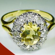 18 kt yellow gold women's cluster ring with citrine (1.25 ct) and diamond (0.36 ct) Size: Ø 17.00 mm *no minimum price*