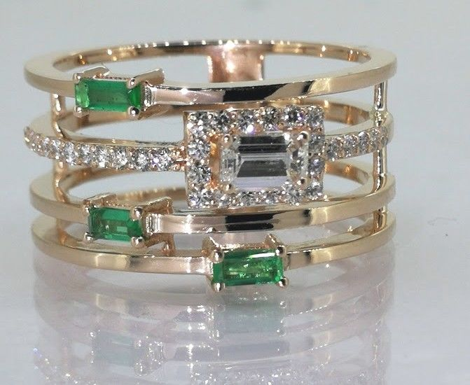 Special ring with diamonds & natural Green Emerald -