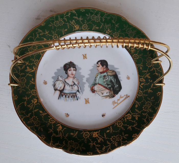 Signed dish 'Napoleon Bonaparte with Empress' - France - 20th century
