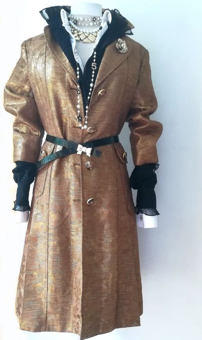 17c2d75077c3 Dolce   Gabbana - Runway exquisite trench coat - Catawiki