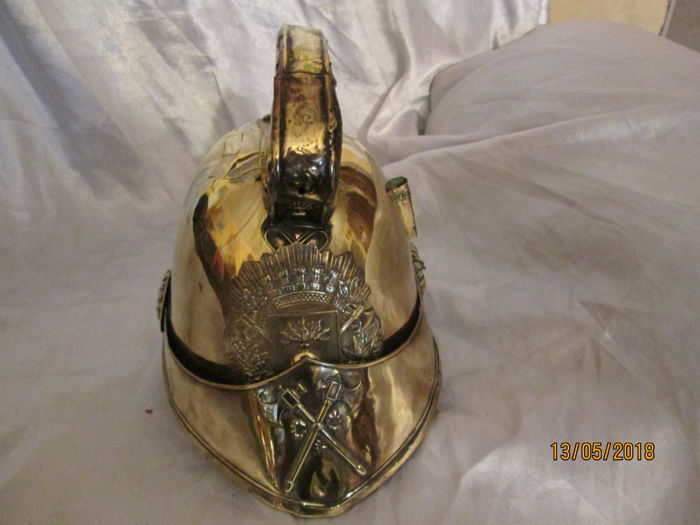 Superb firefighter's helmet 1852