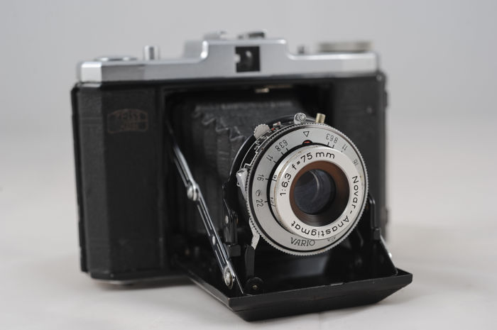 Zeiss Ikon Nettar with the Vario 1:6.3 f-75 mm, very well preserved