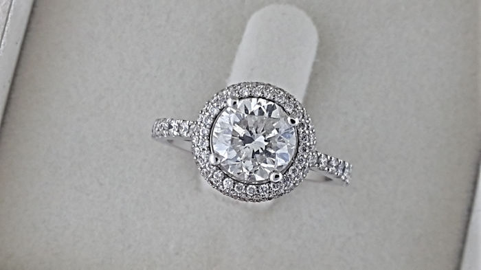 IGL -2.56  ct round diamond ring made of 14 kt white gold - size 7