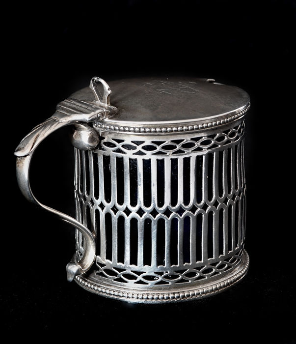 Sugar bowl - silversmith Thomas Smily - Londra - 1861