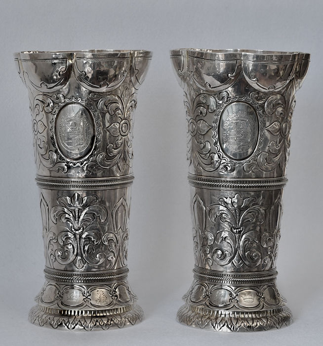 Pair of silver vases, 19th /20th century
