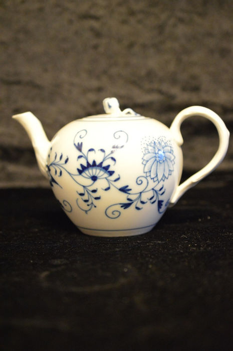 Meissen Blue Onion Pattern Teapot