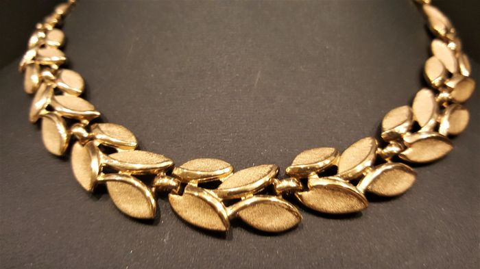 Vintage Trifari Alfred Philippe gold toned textured Necklace from 1950's