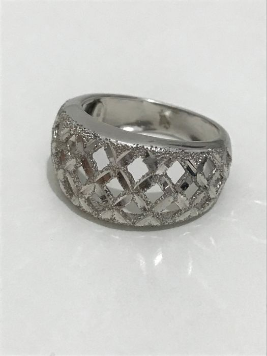 Ring in 18 kt white gold - size 16 (56), 5.5 g