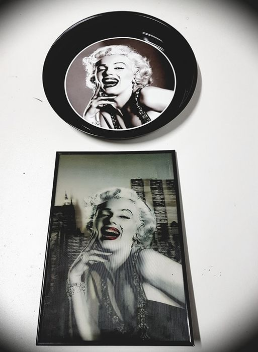 Rare, collector's items of Marylin Monroe - 3D picture in a frame and metal bar tray!