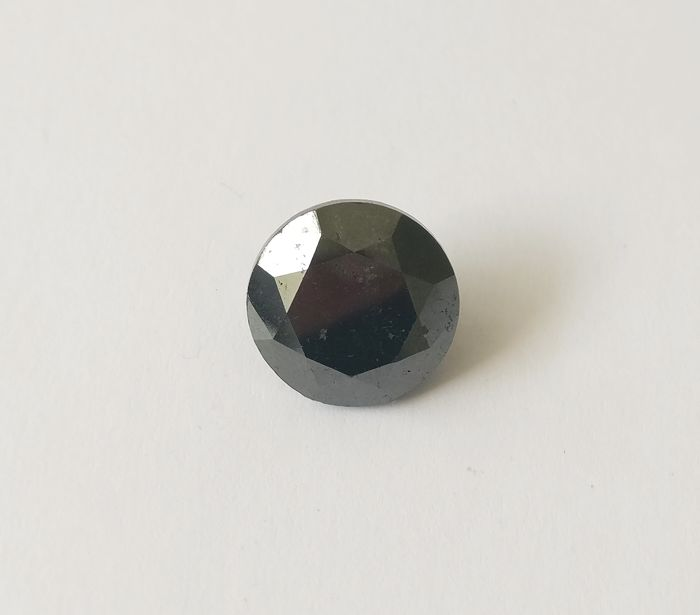 13.40 ct Round cut diamond Fancy Black