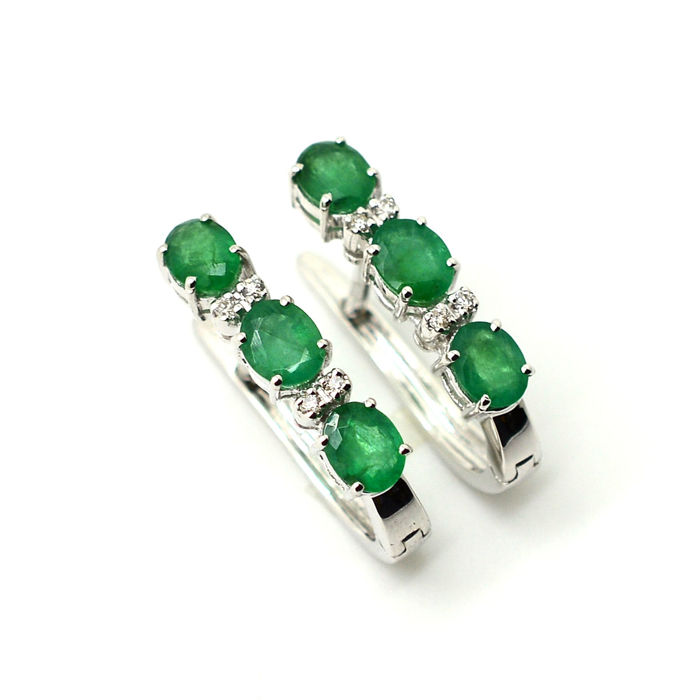 591d46080f2be Earrings in 18 kt gold with emeralds and diamonds, 2.00 ct in total 20 mm  *** No reserve *** - Catawiki