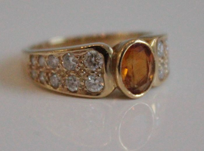 14 kt yellow gold ring inlaid with diamond and citrine, ring size 17