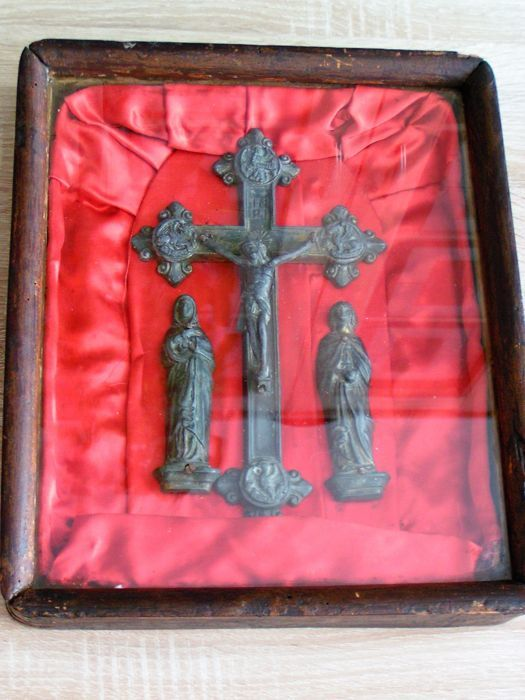 Crucifixion in the icon - case - Figures - Greece? - 19th century