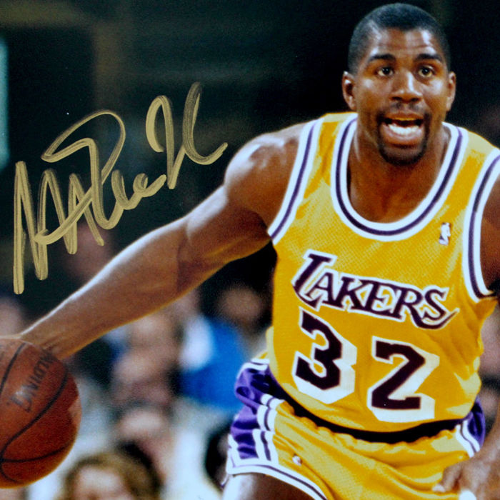 Magic Johnson - Signed Photo Lakers - COA PSA/DNA
