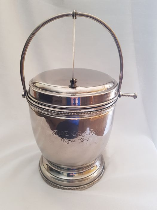 "Silver plated (on copper) ice-bucket with lid ""The Plaza New York"" - 2nd half of 20th century."