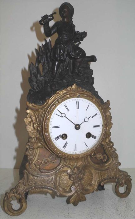Small figure mantel clock 'End of the Battle' - France - 1850