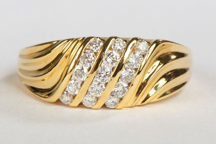 Bague - Or jaune 18 K - Diamants 0,30 ct - Taille 57 EU