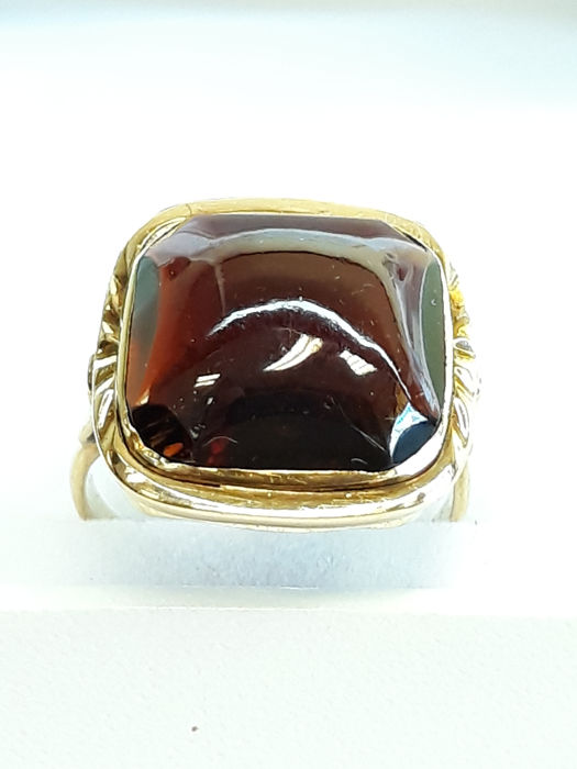 14 kt yellow gold women's ring set with natural orange sapphire