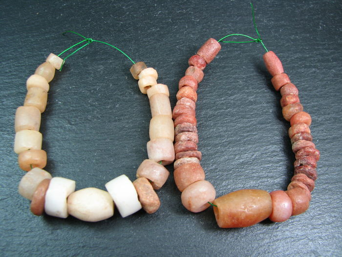 A lot of ancient African beads of Carnelian, Agate and Quartz - circa 2000 BC.