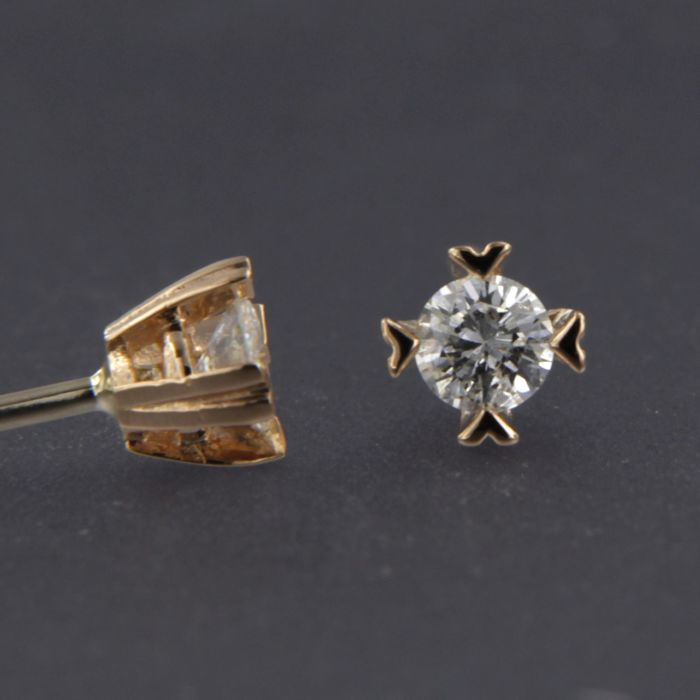 14 kt rose gold solitaire ear studs set with brilliant cut diamond of  approx. 0.26 a59faa5f9f619
