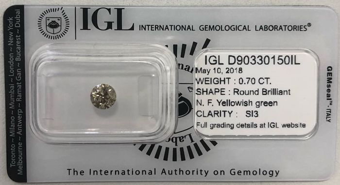 0.70 ct - Natural Fancy Diamond - Yellowish Green Color - SI3 - No Reserve!