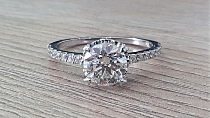 IGL 1.65 ct SI1  round solitaire  diamond ring in 14 kt white gold - size 7