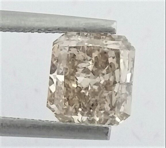 Diamant - 1.61 ct - Radiant - light brown - SI2