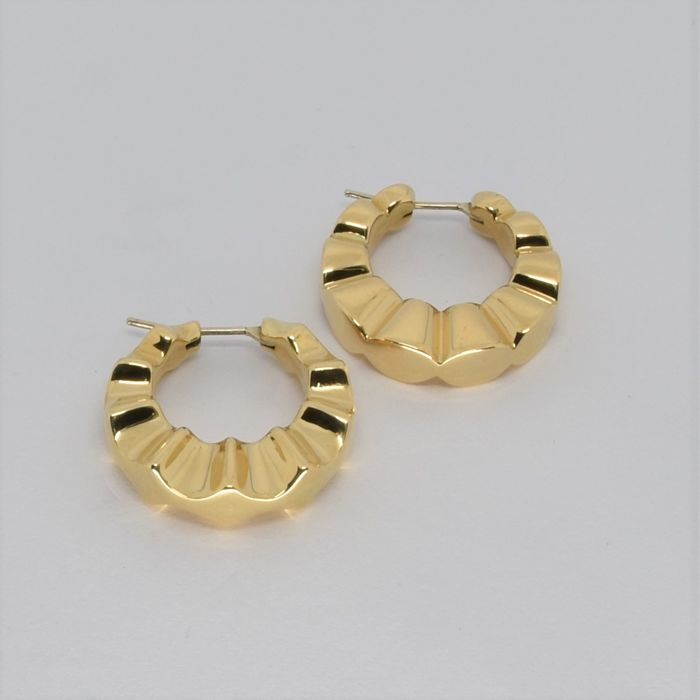 Creole earrings in 18 kt yellow gold
