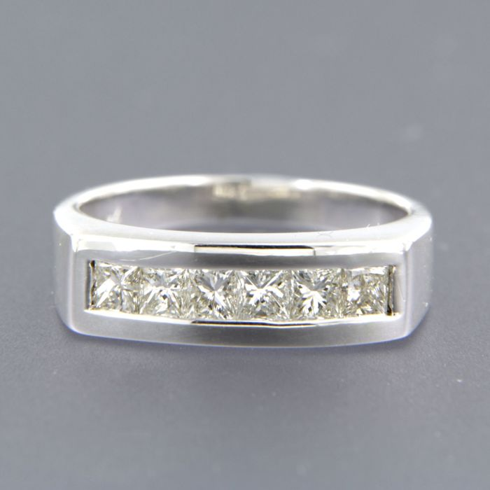 18 kt white gold ring with 6 princess cut diamonds, 0.90 ct, set in a row - ring size 17.75 (56)