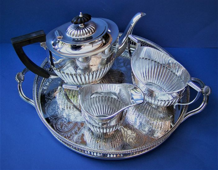 English Silver Plated 3-Piece Tea Set & Tray 19th & 20th Century. Zimmerman, Williams And Cavalier Manufacturers