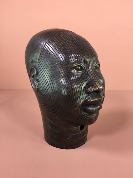 head in the style of an Oni-Ife-Nigeria