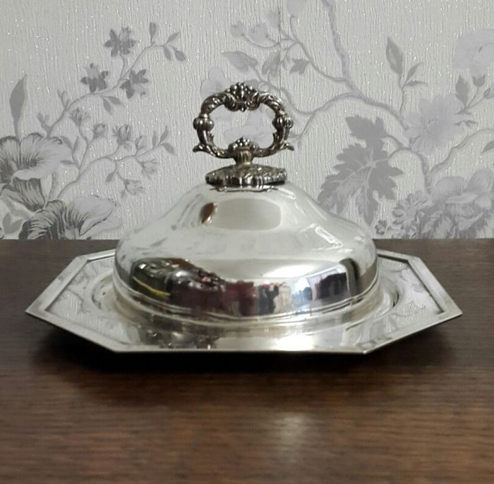 Antique muffin dish with silver domed lid - English silver plated - with decorated handle and central etching