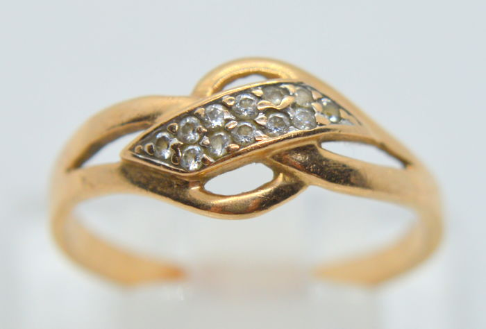 14 ct. / 585 Gold Ring with 0.06 ct brilliants, total weight 2.54 gr - size 58