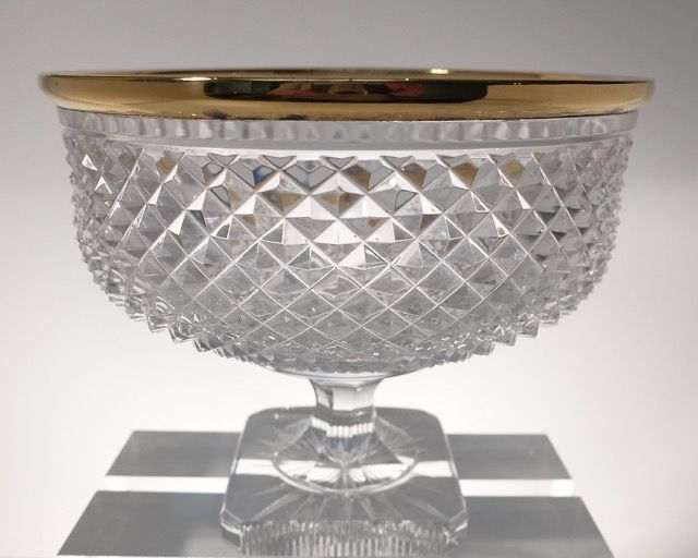 Wolfers frères Brussels Belgium Val Saint Lambert - Coupe on a base with a solid silver gold-plated rim taillé riche, Brussels, Belgium, 20th century