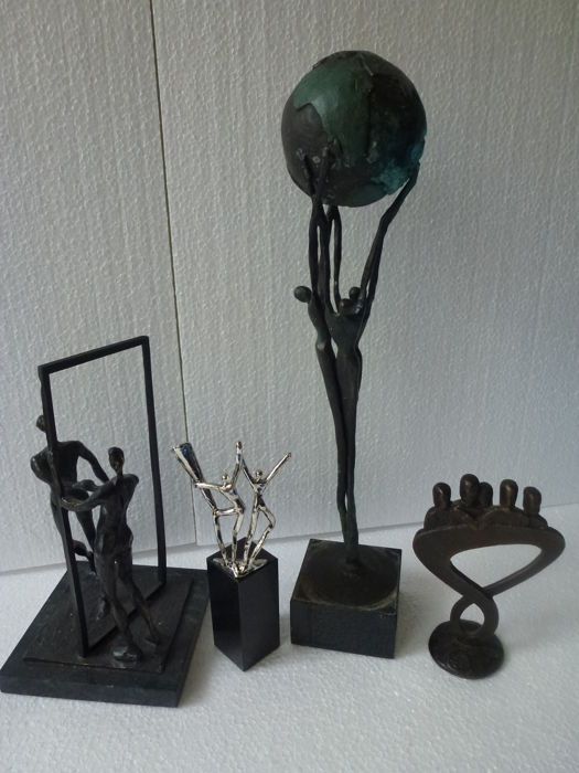 Corry Ammerlaan van Niekerk - lot of 4 sculptures
