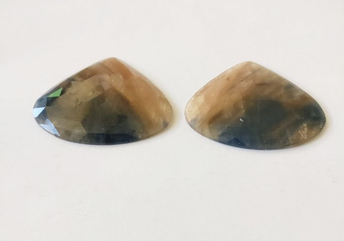Couple of 2 Sapphire Brown / Blue 89.64 ct - No Reserve