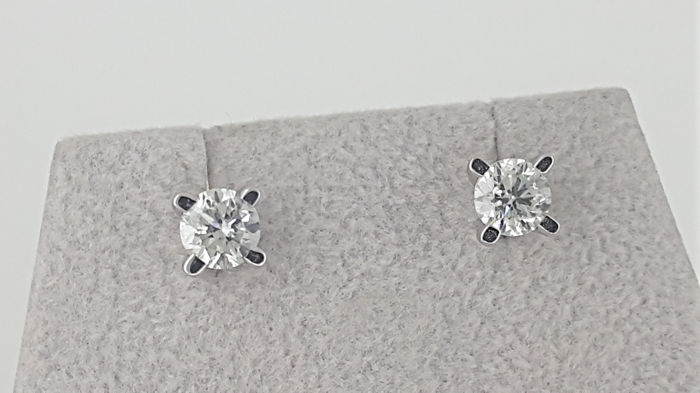 0.98ct  Round Diamond G/VS2 Solitaire Stud Earrings in White Gold 14K *** NO RESERVE PRICE **
