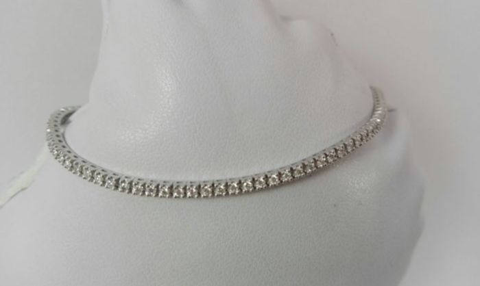 Tennis bracelet in 18 kt white gold with 0.95 ct of diamonds