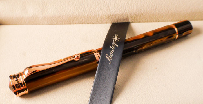 Montegrappa Ducale Fountain Pen Emperador Brown, Rose Gold - A generously-sized pen, perfectly balanced - M Nib - Mint.