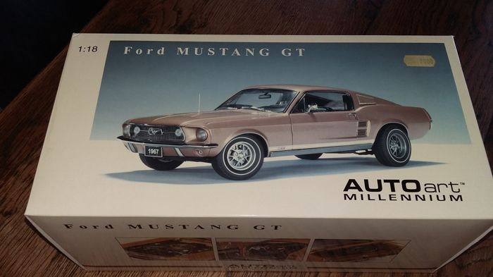 Autoart - 1:18 - Ford mustang GT 1967