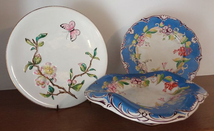 Three English porcelain plates - Sharpus 1802 and Bodley 1870/80 (3)