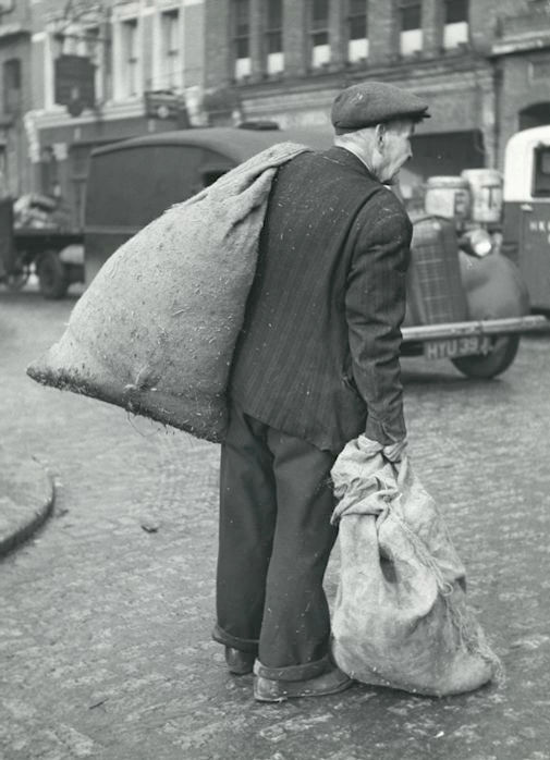 Kees Scherer (1920-1993) - Clochard, Parijs 1954