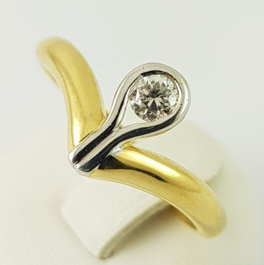 Diamond ring - 750 yellow gold - size 54 - 1 brilliant cut diamond of 0.17 ct