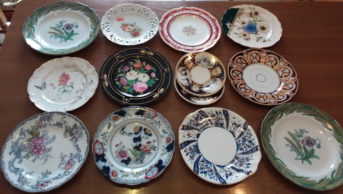 Antique decorative plates - all from the 19th century - English made and marked Copeland (13)