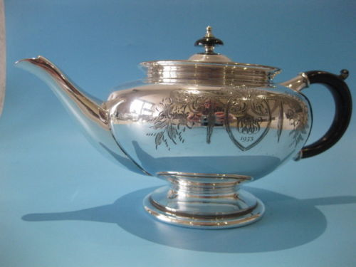 Beautiful Victorian style teapot, hand-engraved, silver plated 1933
