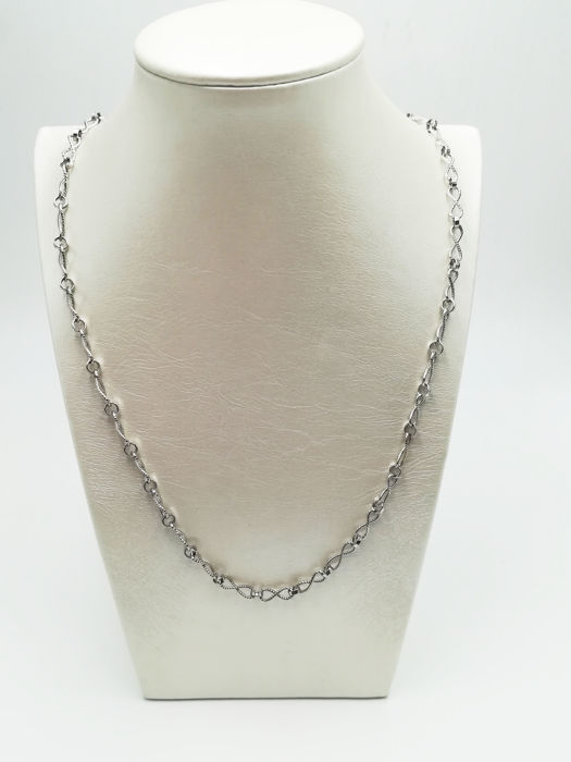 Women's necklace in 18 kt white gold, length 30.00 cm, total weight  16.00 g